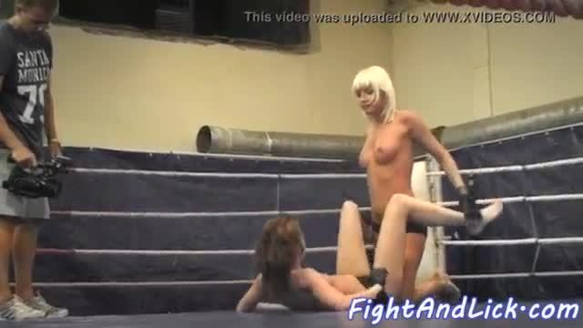 Faketit lesbian pussylicked by wrestling babe