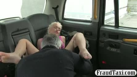 Busty amateur blonde babe anal fucked by fake driver