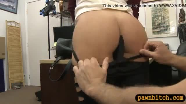 Brunette woman screwed by horny pawn man